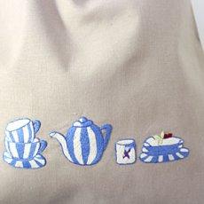 画像2: 【クチュール/巾着】ブルーディッシュ手刺繍ランジェリーポーチ*ベージュ* (2)