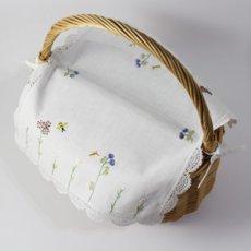 画像4: 【クチュール/かご】バタフライ&ビー手刺繍カバー付きクチュールバスケット*白* (4)