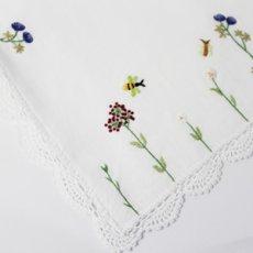 画像2: 【クチュール/かご】バタフライ&ビー手刺繍カバー付きクチュールバスケット*白* (2)