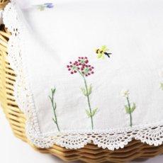 画像5: 【クチュール/かご】バタフライ&ビー手刺繍カバー付きクチュールバスケット*白* (5)