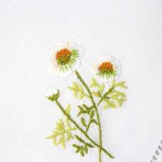 画像2: 【クチュール/ホーム】カモミール手刺繍センターテーブル ホワイト (2)