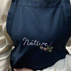 画像3: 【クチュール/エプロン】ナチュール手刺繍サロンエプロン|ネイビー| (3)