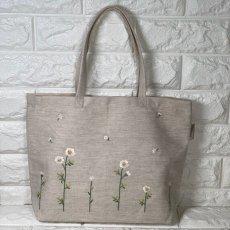 画像2: 【クチュール/バッグ】カモミール手刺繍よこトート (2)