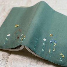 画像2: 【クチュール/雑貨】バタフライ&ビー手刺繍ブックカバー*グリーン* (2)