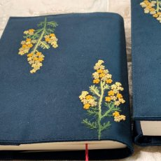 画像2: 【クチュール/雑貨】ミモザ手刺繍ブックカバー*ネイビー* (2)