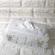 画像1: 【クチュール/雑貨】カモミール手刺繍ティッシュ箱カバー*白* (1)