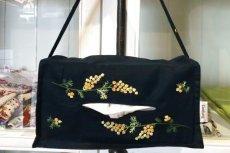 画像3: ミモザ手刺繍ティッシュケースよこ吊下げタイプ (3)