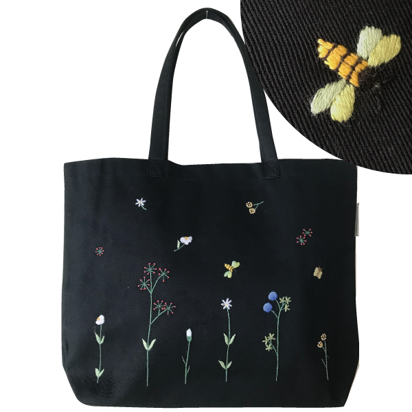 画像1: 【クチュール/バッグ】バタフライ&ビー手刺繍トート ブラック (1)