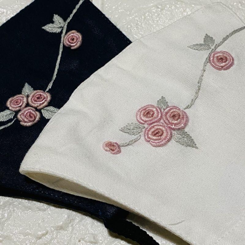 画像1: 【4月分完売5月分入荷】手刺繍つるバラ柄 立体マスク (1)