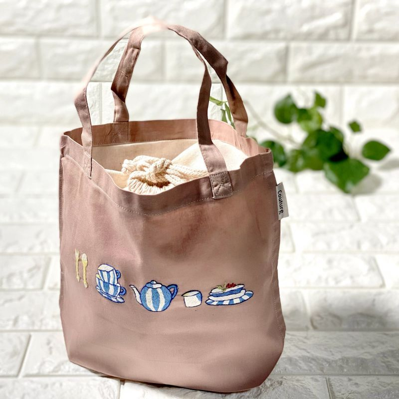 画像1: 【クチュール/バッグ】ブルーディッシュ手刺繍ランチバッグ|ベージュ| (1)