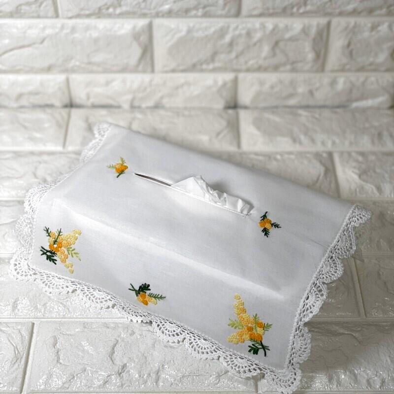 画像1: 【クチュール/雑貨】ミモザ手刺繍ティッシュ箱カバー*白* (1)