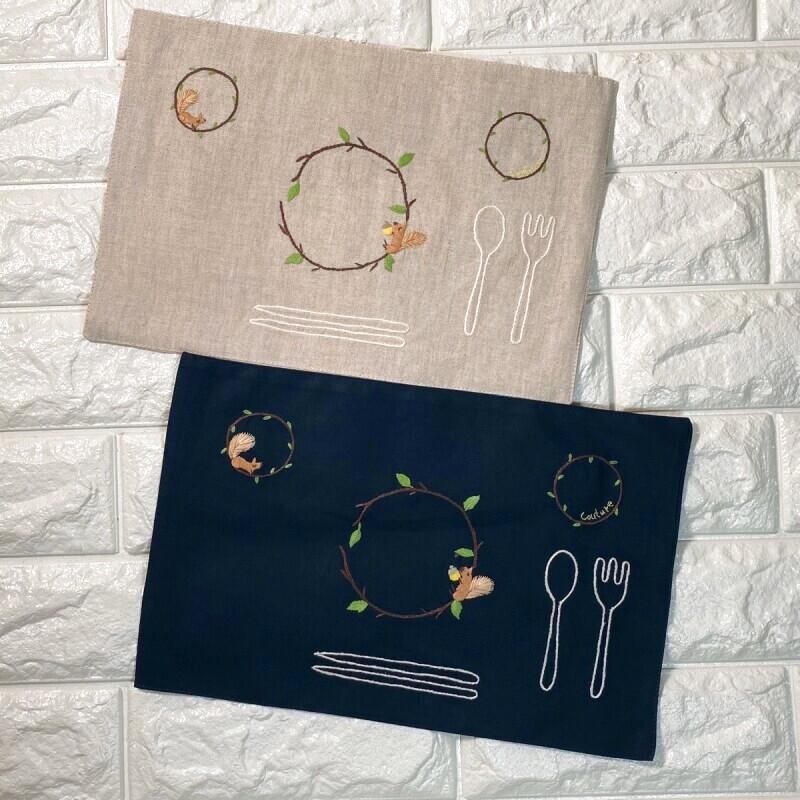 画像1: 手刺繍りす柄ティーマット (1)